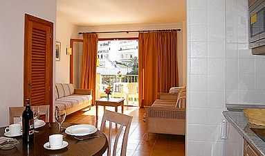 Majorca self catering apartments on beach