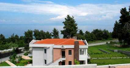 Mainland Halkidiki peninsular villa for rental in Thessaloniki Chalkidiki Kalithea