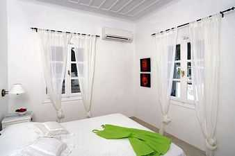 Spetses rental villa accommodation