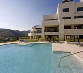 Holiday apartment for rental near Marbella with pools and golf at Los Flamingos