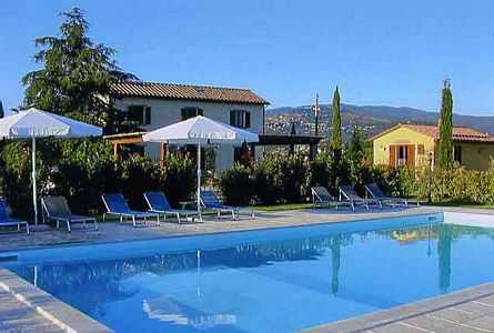 Cortona villa rental in farmhouse and cottage