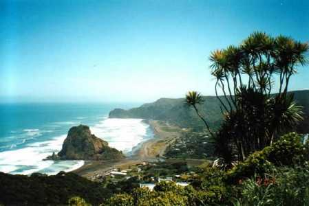 North Island New Zealand Bed and Breakfast accommodation - photo of Piha Beach