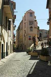 Cannes town house for sale in centre of Le Suquet