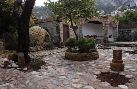 Cyprus: Bellapais, Kyrenia villa for rental Northern Cyprus