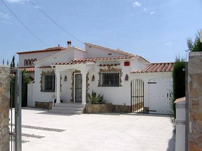 Costa Brava Empuriabrava luxury villa to rent